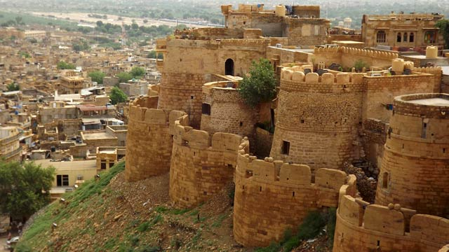 car hire faridabad to Jaisalmer